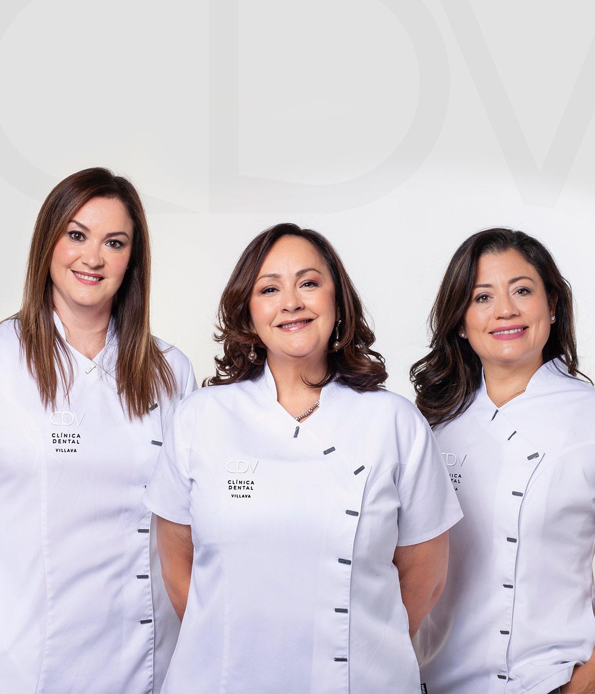 Marisa, Marina y Lourdes del equipo de la Clínica Dental Villava