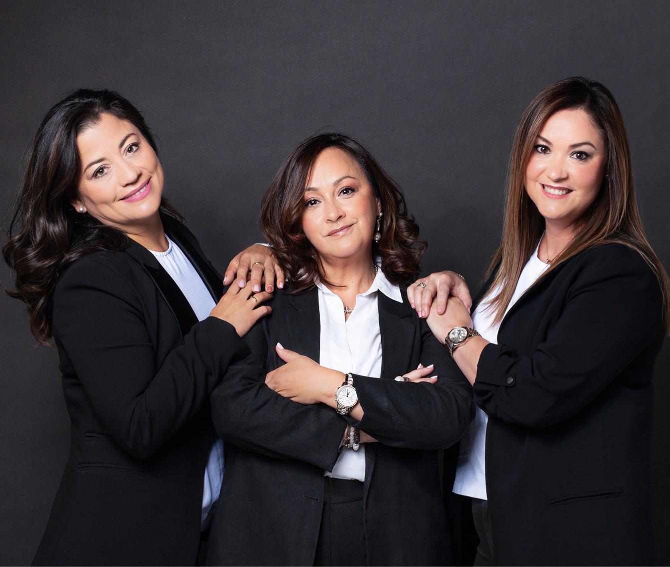 Marisa, Marina y Lourdes de Clínica Dental Villava